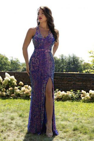 woman in primavera dress